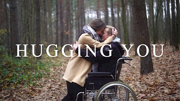 Tom Rosenthal feat. Billie Marten - Hugging You [Official Video]